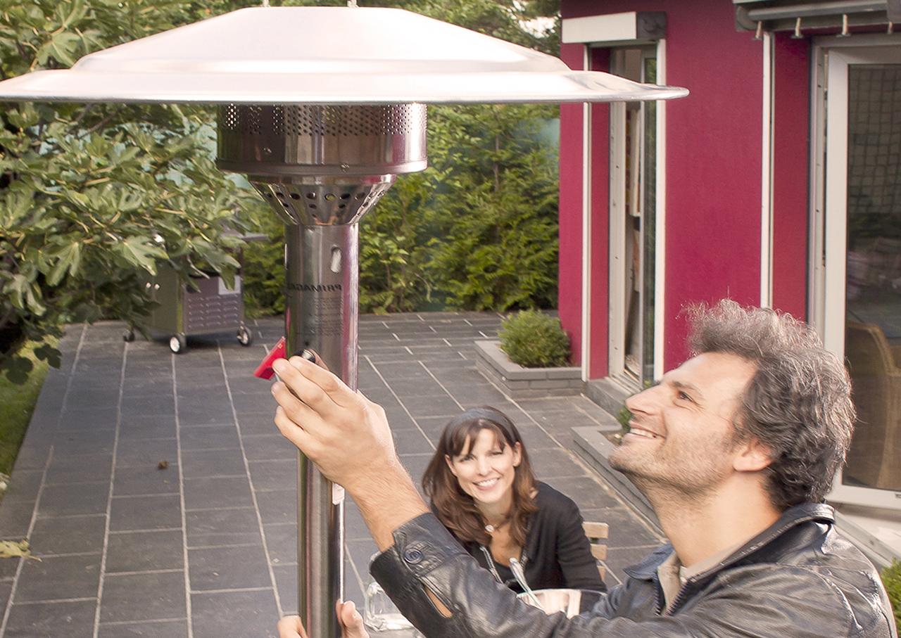 Le parasol chauffant marche au gaz propane