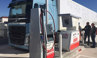 Volvo Trucks se fournit en GNV Primagaz